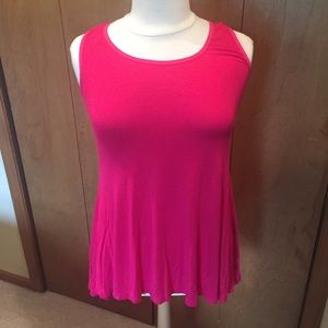 1X Hot pink fitted tank by 24/7 Comfort